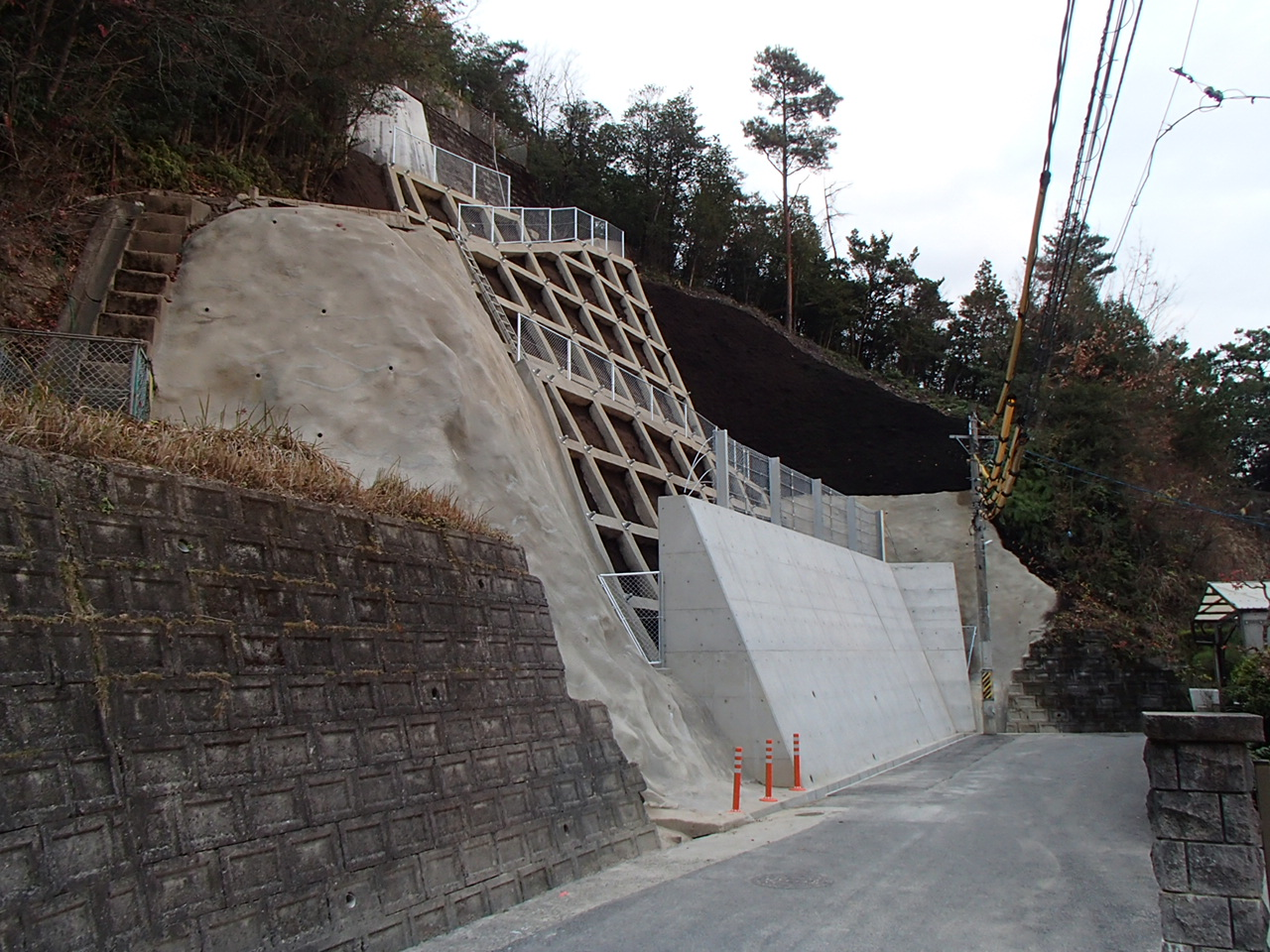 温泉が丘7地区急傾斜地崩壊対策工事(28-1)竣工